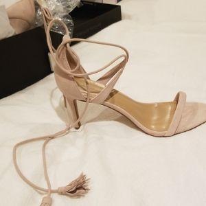 Cream/pale pink high heels size 9